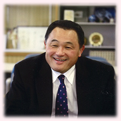 山下泰裕先生